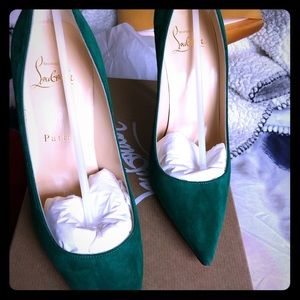 Authentic green Christian louboutins size 7